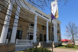 waldorf university building